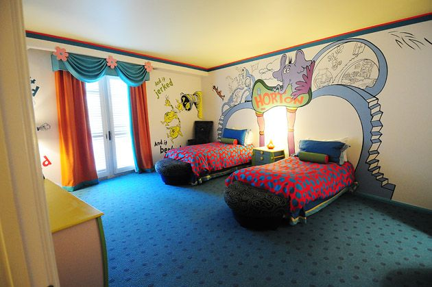 Dr. Suess Baby Rooms | Hotel Room Tour: Dr. Seuss Kidsu0027 Suites