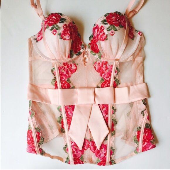 NWT Victoria Secret Corset 36B NWT Victoria Secret Corset 36B Victoria's Secret Intimates & Sleepwear