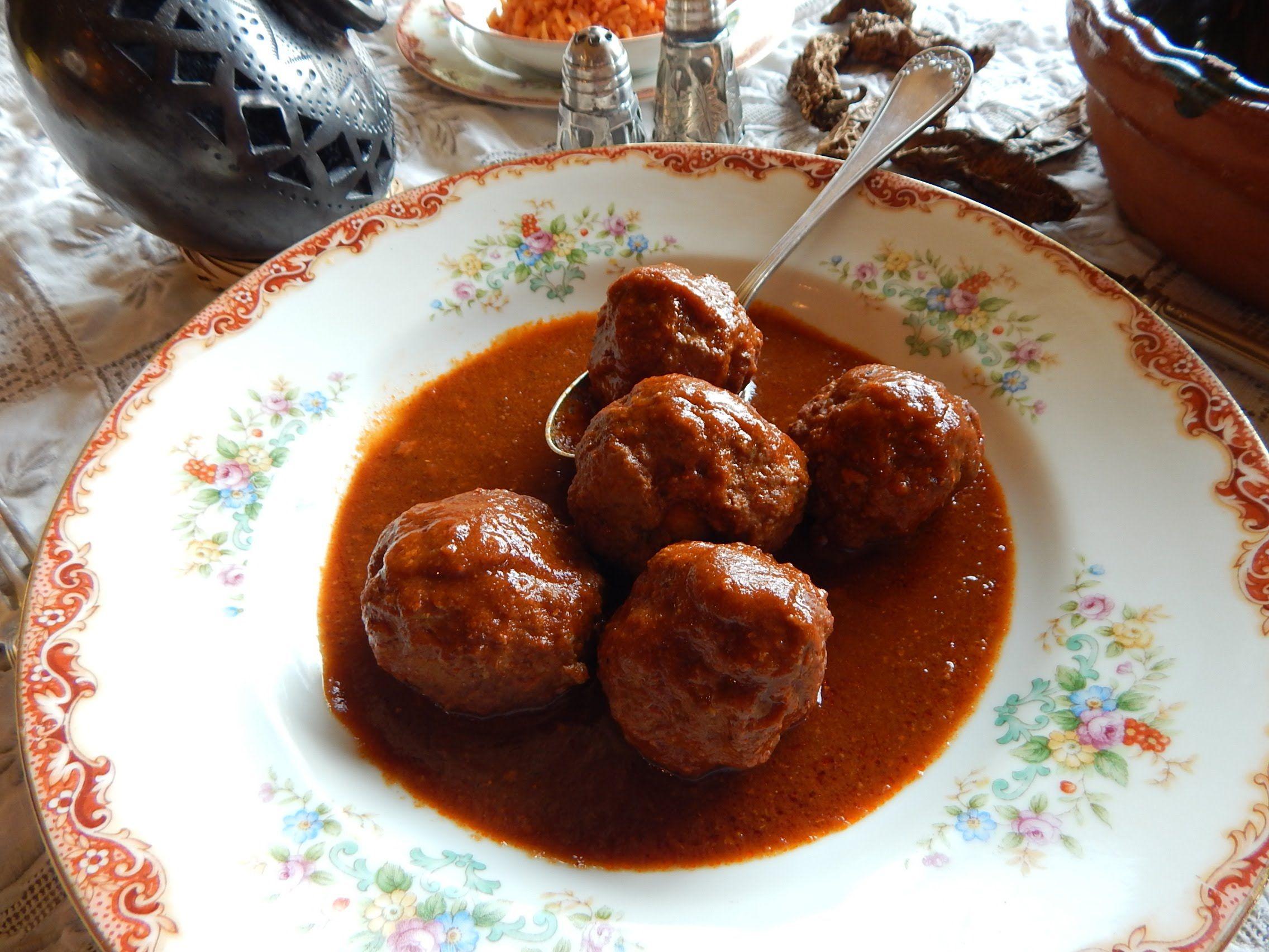 Albondigas al chipotle albondigas en salsa de jitomates asados y chiles chipotle receta - Albondigas tradicionales ...