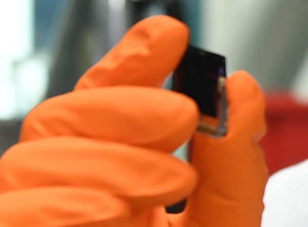 Coal-Killing Perovskite Solar Cell Beats 20% Efficiency Mark, Aims For 30%