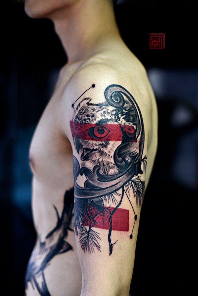 Horizontal Line Tattoo: Modern Style Shoulder Tattoo Of Detailed Owl With Red