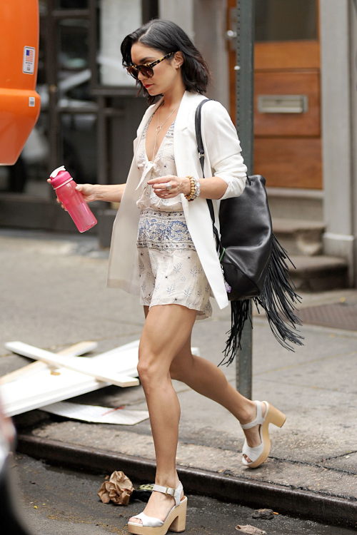 trend-lady:   daily–celebs:     5/27/15 - Vanessa... Fashion Tumblr | Street Wear, & Outfits