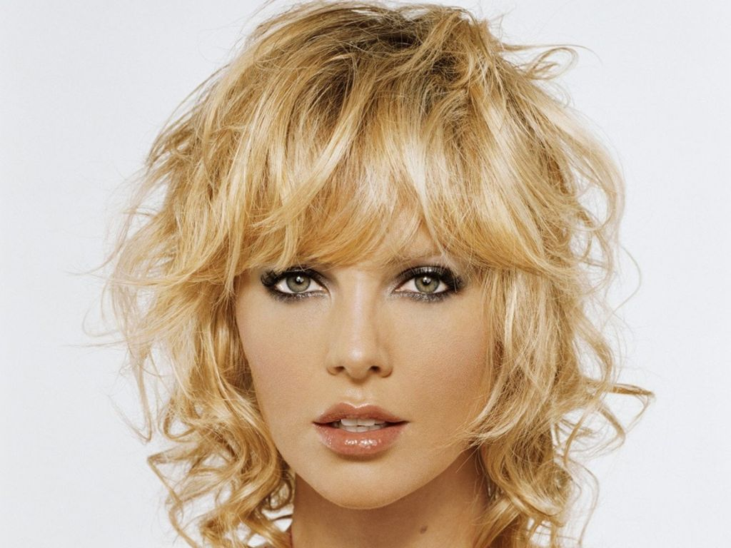 Charlize Theron   Curly bobs chin length  Pinterest