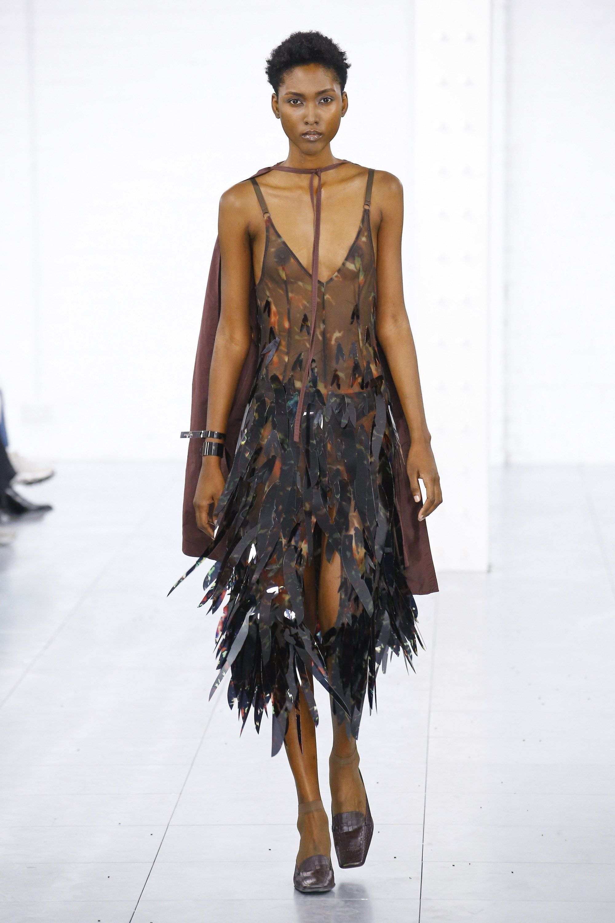 East fashion fall runway recommend to wear in autumn in 2019