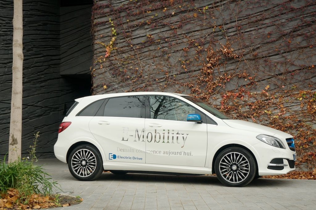 Test Drive Mercedes Cl B Electric The Shooting Star