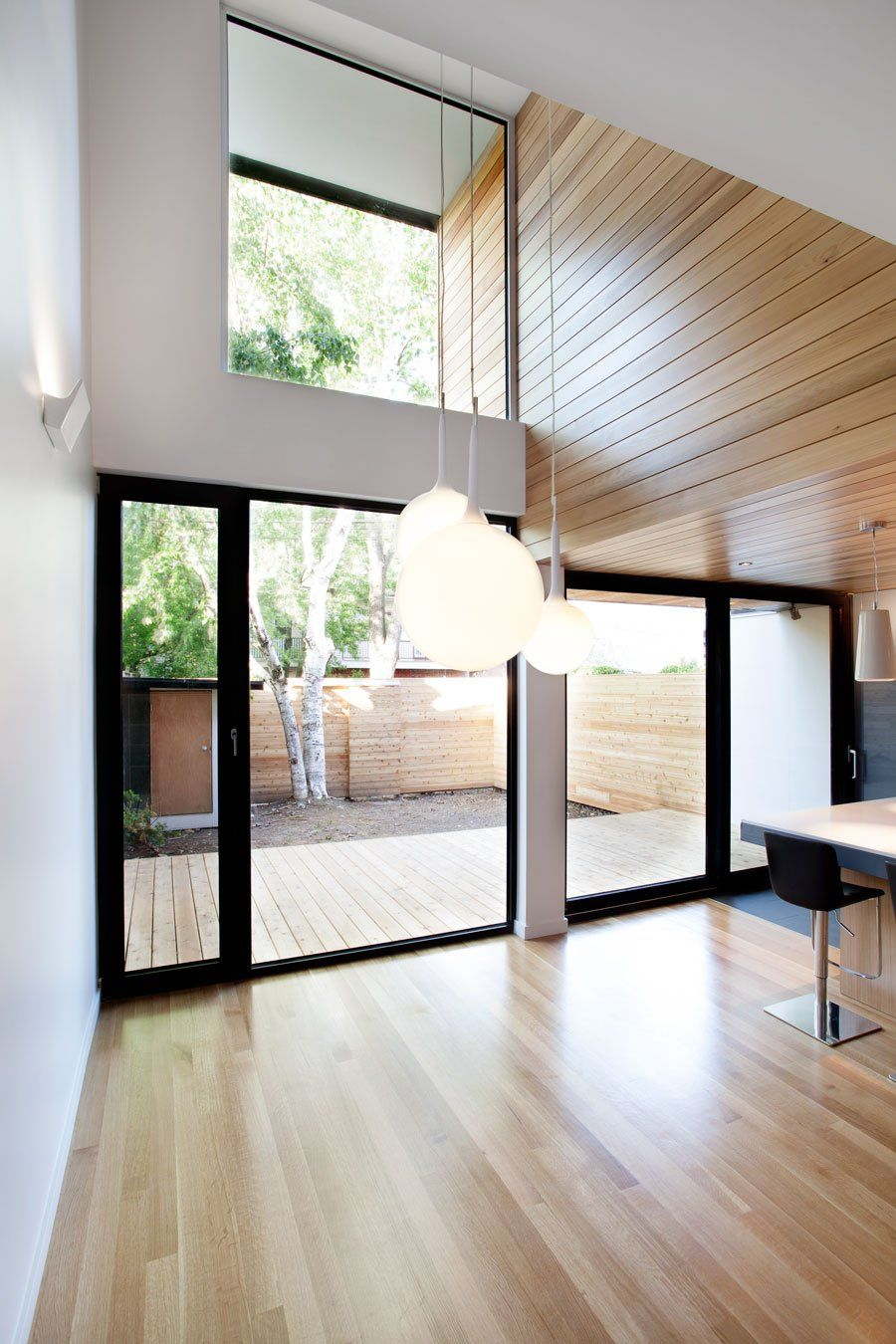 A 1920?s Duplex in Montréal Completely Renewed The