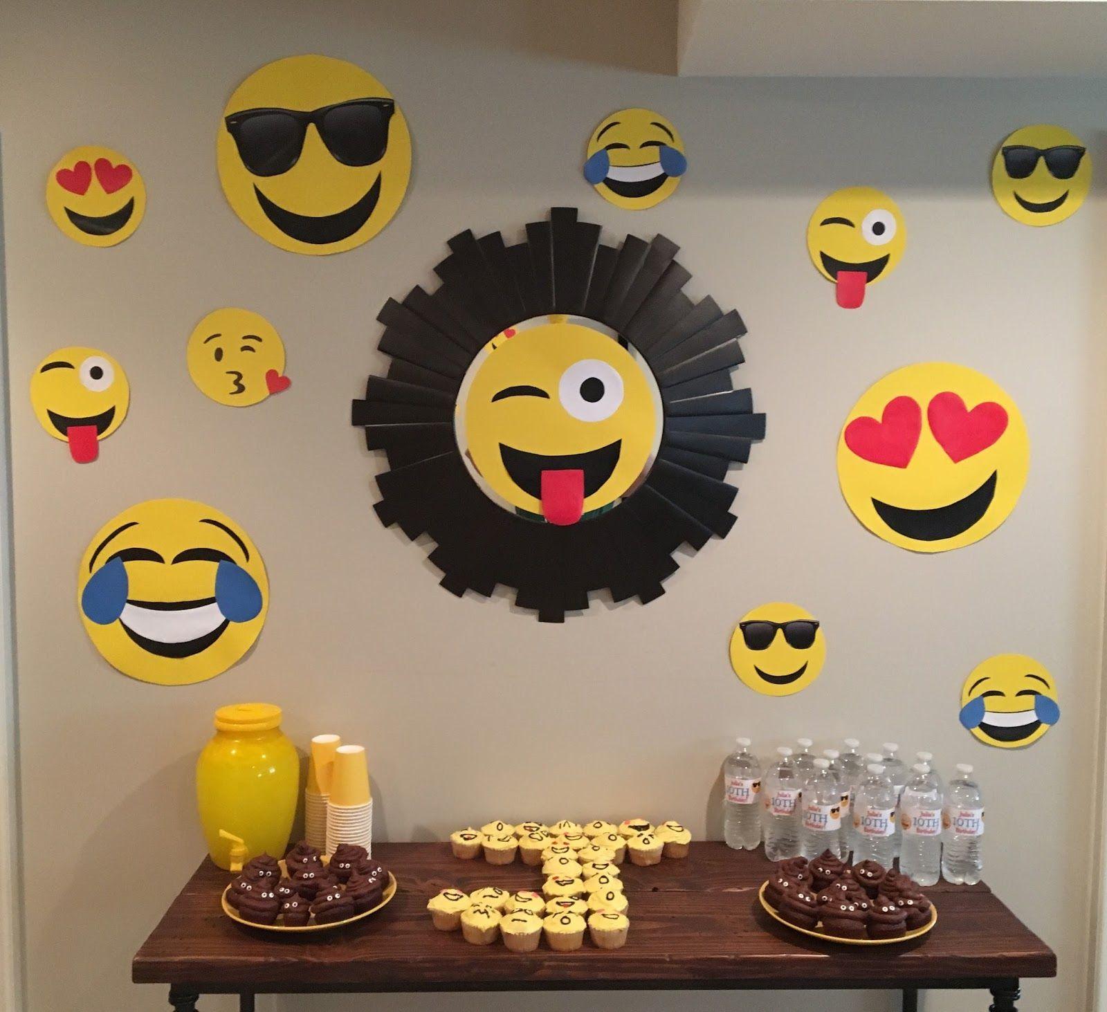 Resultado de imagen para decoracion de mesa emoticones decoraciones Decoraç u00e3o de festa emoji  -> Decoração De Emoji Para Festa
