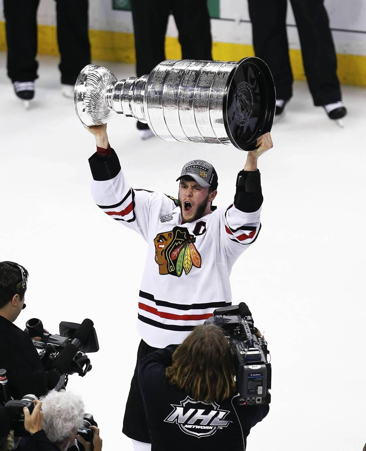 2013 cup Blackhawks, Jonathan toews, Lord stanley cup