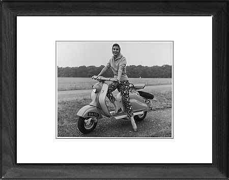 Jigsaw Puzzle (300 Pieces) of GIRL ON A LAMBRETTA | Printing and Girls