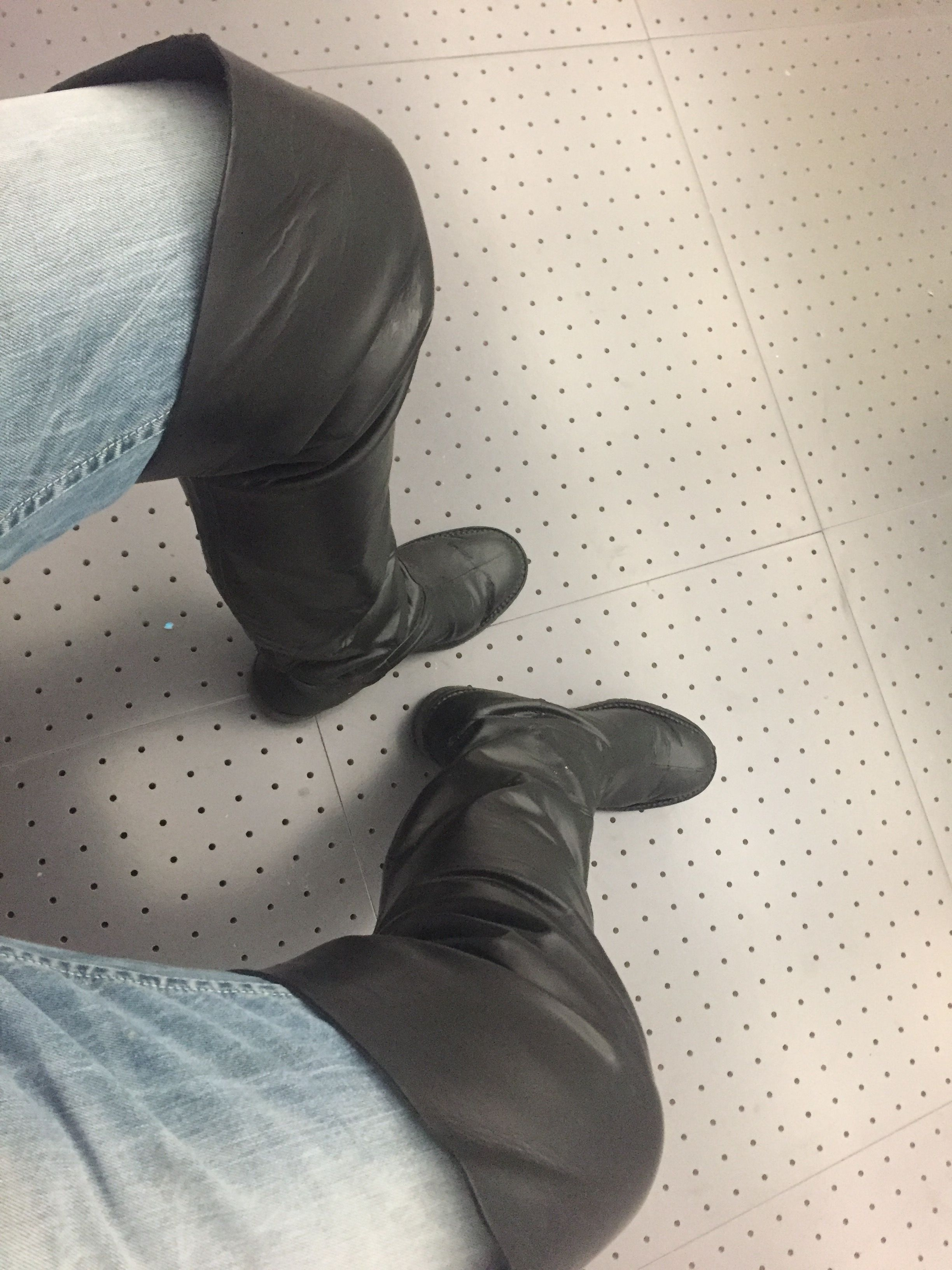 thighboots, jean gaborit, men in boots, cuissardes hommes