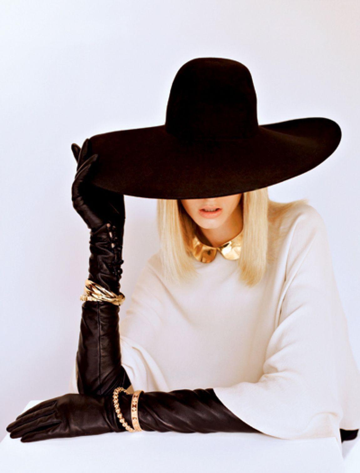 справляется картинки шляпы и перчатки будут выкрашиваться