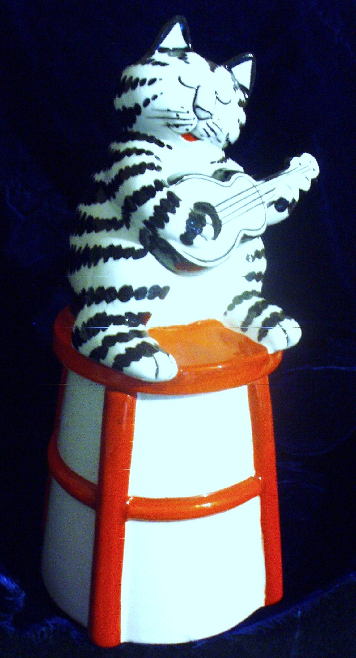 J KLIBAN FOR SIGMA VINTAGE FIGURAL COOKIE JAR CAT PLAYING GUITAR C. 1970-80'S           (MY EBAY 45.00)   SOLD