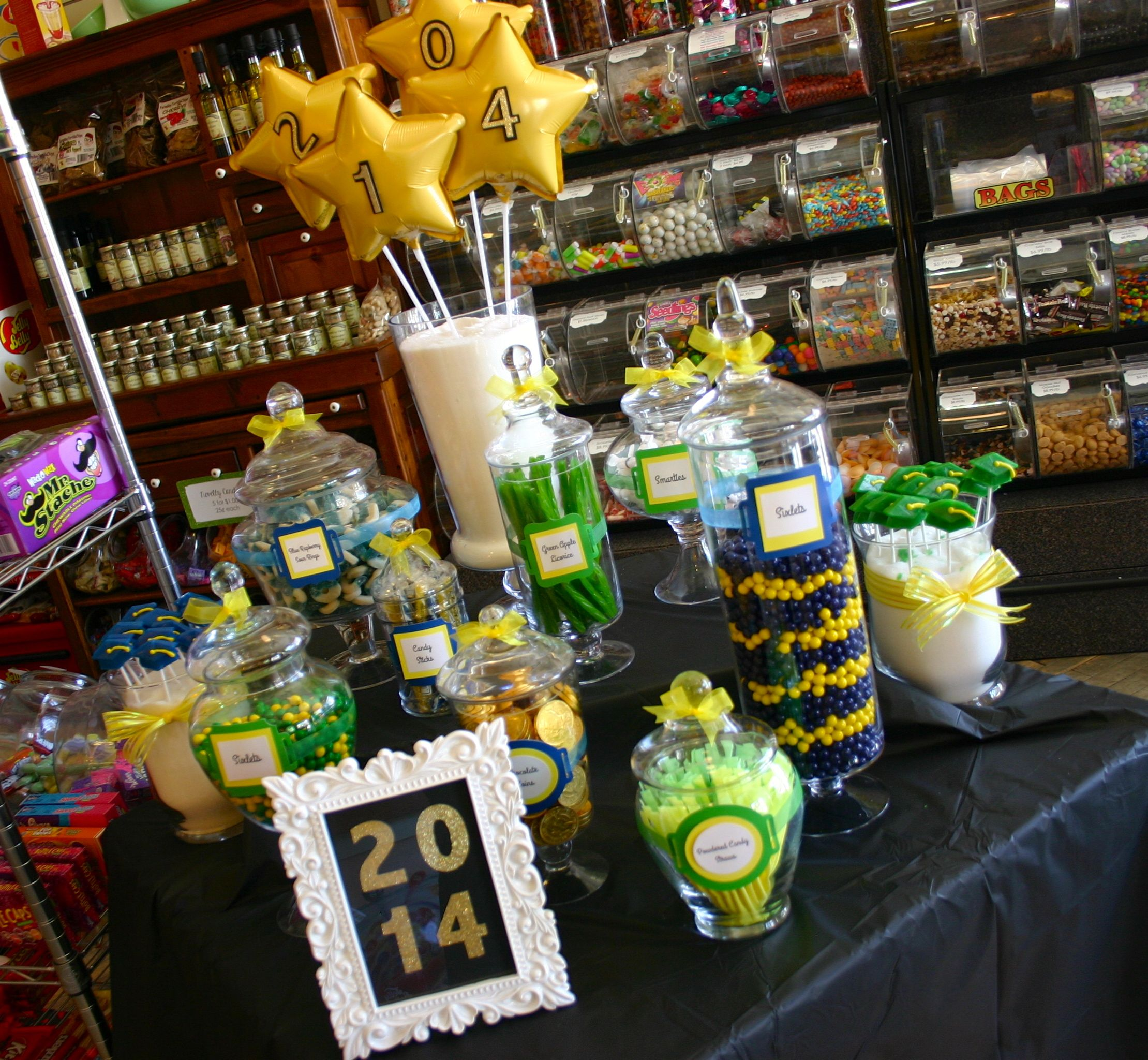 2014 graduation decorations - Candy Buffet Graduation Table Sign Class Of 2014 Sweethearts Co Lapeer Michigan Green And