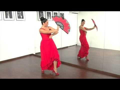 Aprender A Usar El Abanico Con Pilar Astola Vídeo 3 Youtube Vídeos De Baile Baile Aprender A Bailar