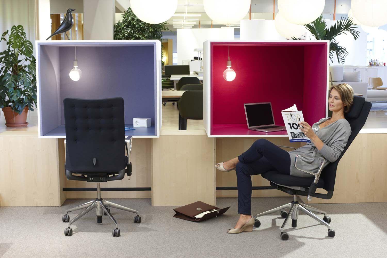 Dos posibles confirguraciones de las múltiples que ofrece la exitosa silla #IDChair de #Vitra, diseñada por Antonio #Citterio. http://www.vitra.com/es-lp/product/id-chair-concept