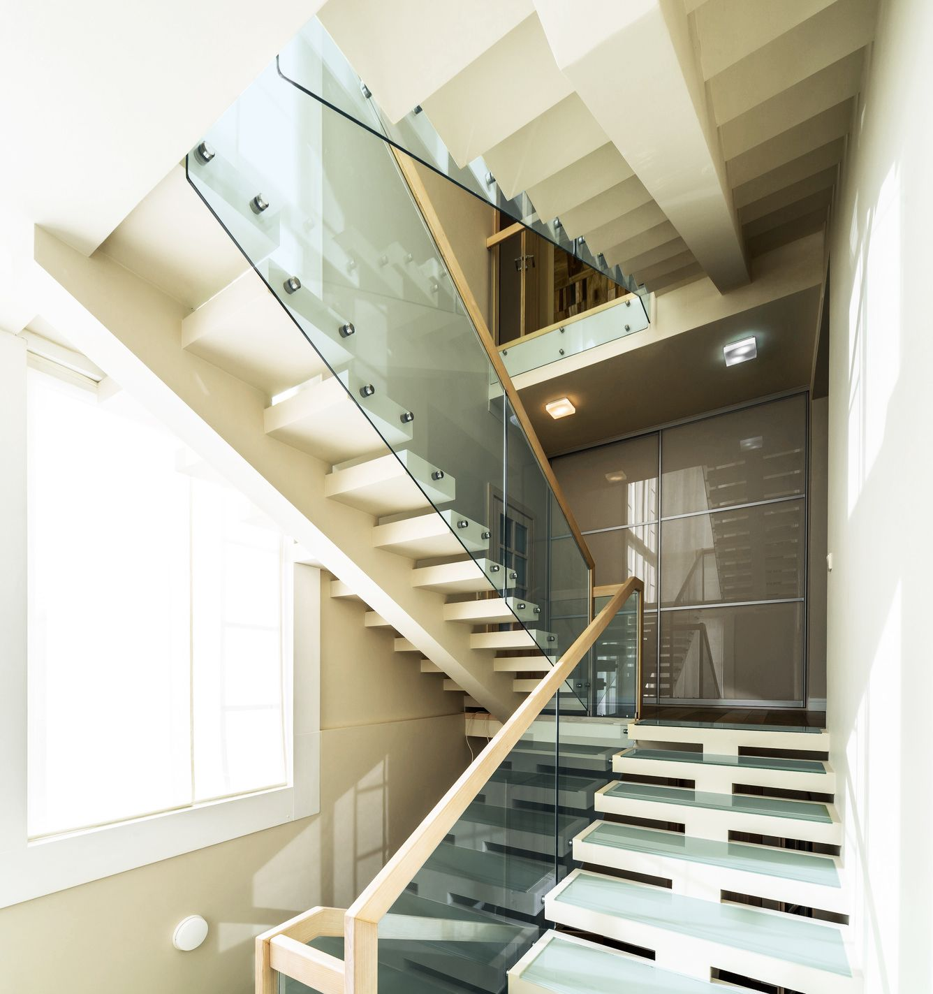 Glass balustrade is a great idea not only for flats or