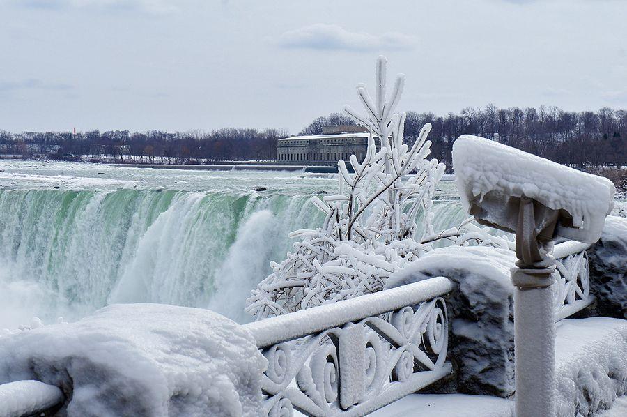 The Year Niagara Falls Froze |Niagara Falls Frozen 2009