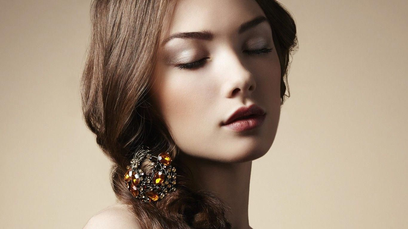 Get world class beauty education at Majestic Beauty Academy.