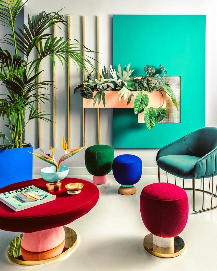 What a fun office loving the color blocking and playful approach. Designed by @masquespacio_ana