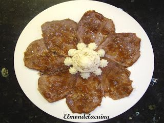 El món de la cuina: Vedella amb puré de patates i ceba confitada