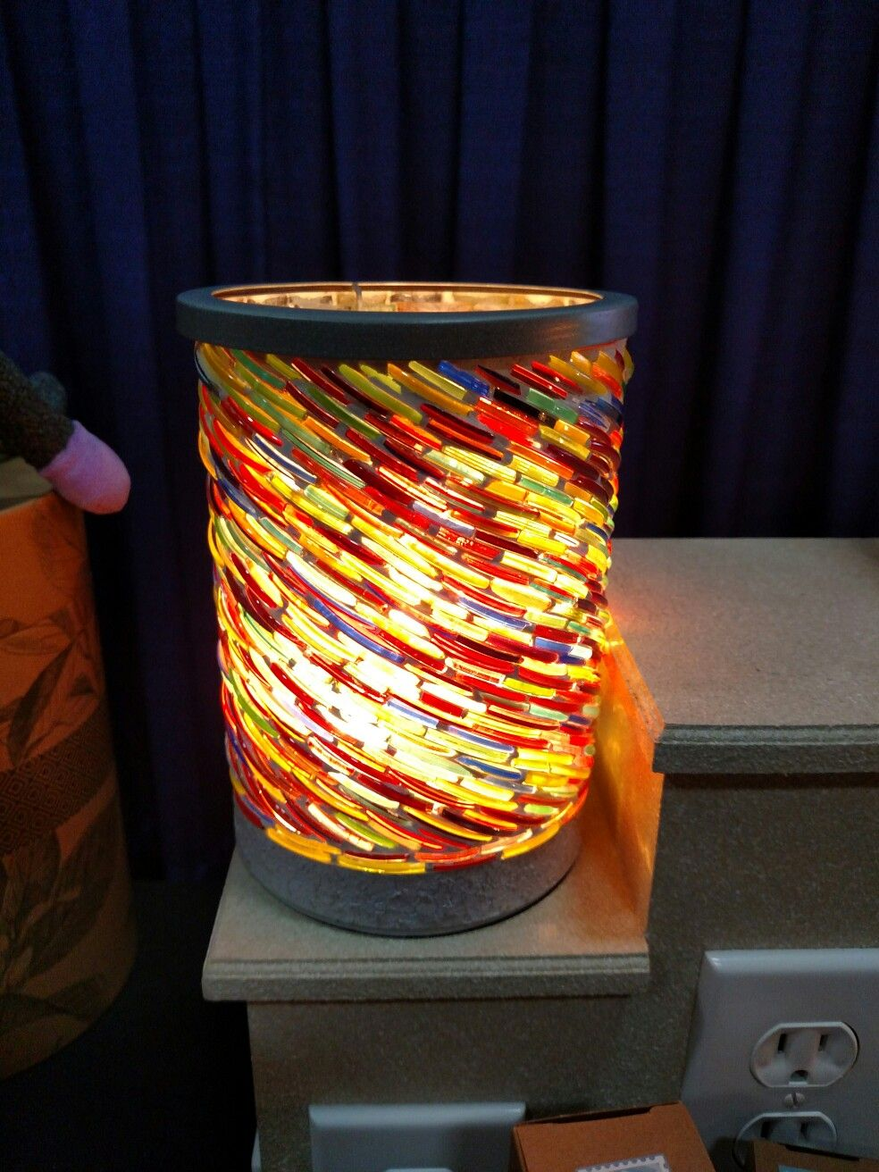 Scentsy Us Colors Of The Rainbow Warmer