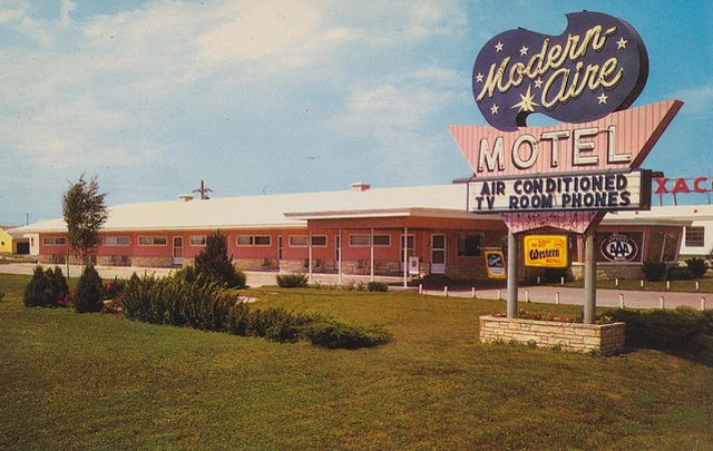 vintage postcards from hotels and motels from all over North America.