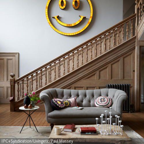 Smiley-Wandleuchte mit Neonlicht - grose moderne wohnzimmer