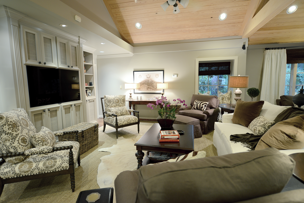large living room seating arrangement | Where the heart is ...
