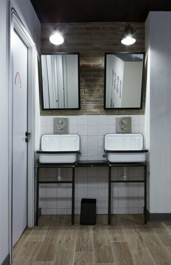 25 Vintage Or Minimalist Chic Industrial Bathroom: 25 Vintage Or Minimalist  Chic Industrial Bathroom With Wall Mirror And Brick Wall And Wooden Floor