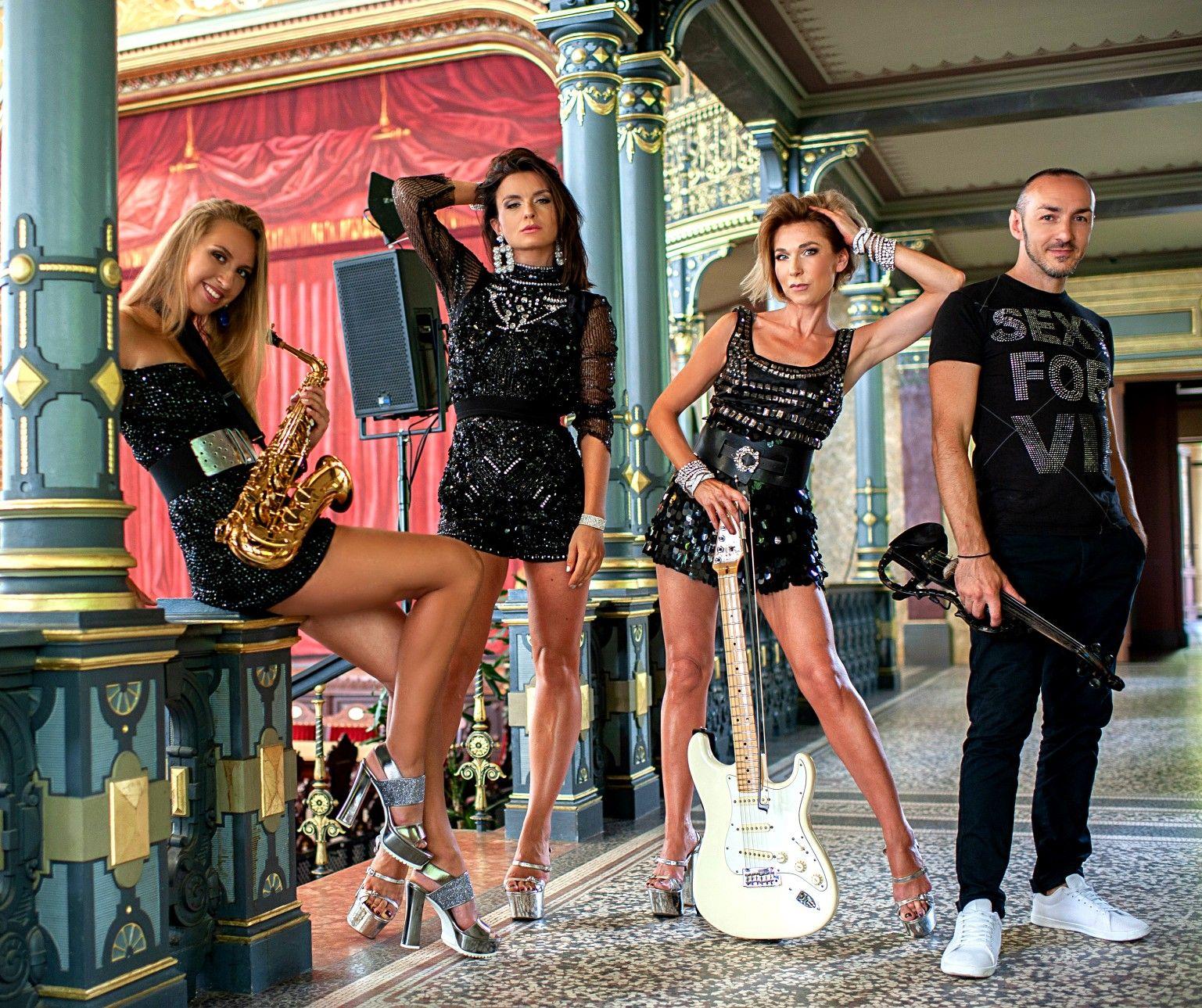 Showbandadrenalin Russischehochzeit Russwedding Saxplayer Geigeshow Musikband Partyband Hochzeit Hochzeitsband Adrenalinband C Veranstaltung Feier Saxophon