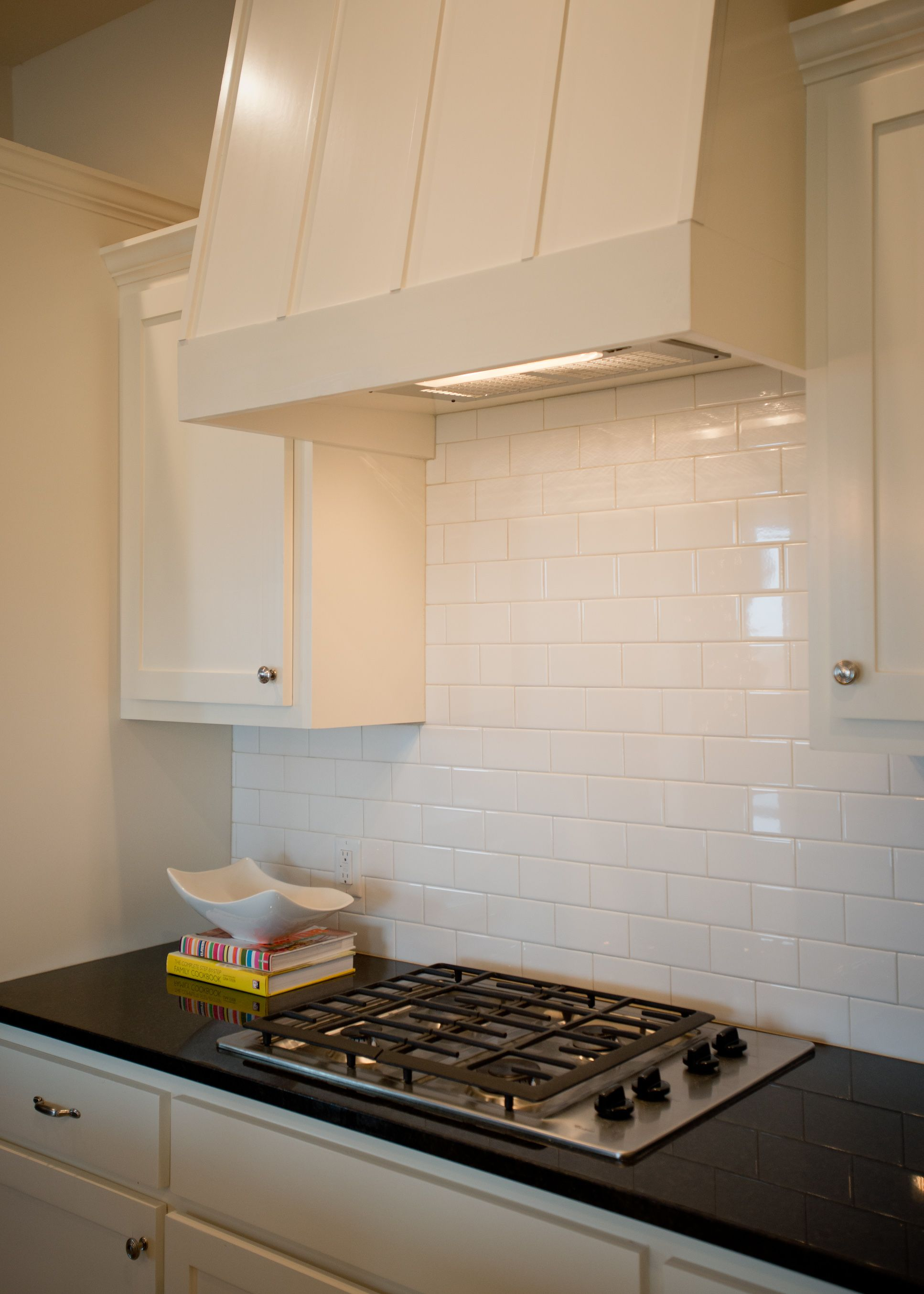 Craftsman Kitchen Backsplash Refurbished Table And Chairs Cardona Floor Plan Style Vent Hood Subway