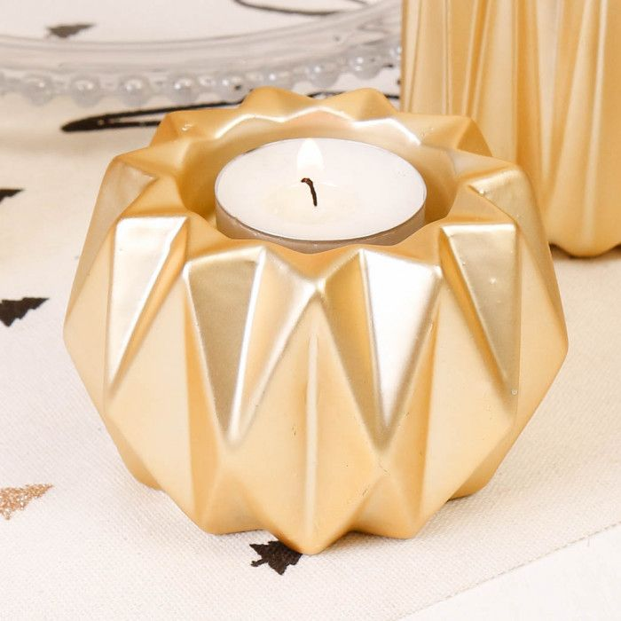 Christmas Dining Room Ideas To Add A Flourish To Christmas: With Its Unusual Origami Shape And Golden Finish, This