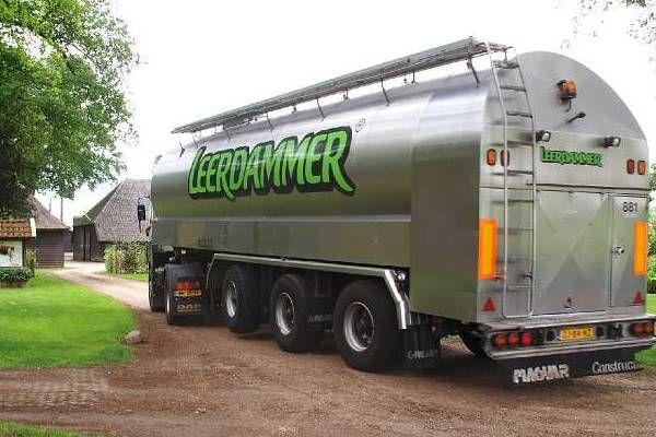 Brouwer Melk- en containertransport (foto©RoalteNet) Melk voor de Leerdammer kaas.