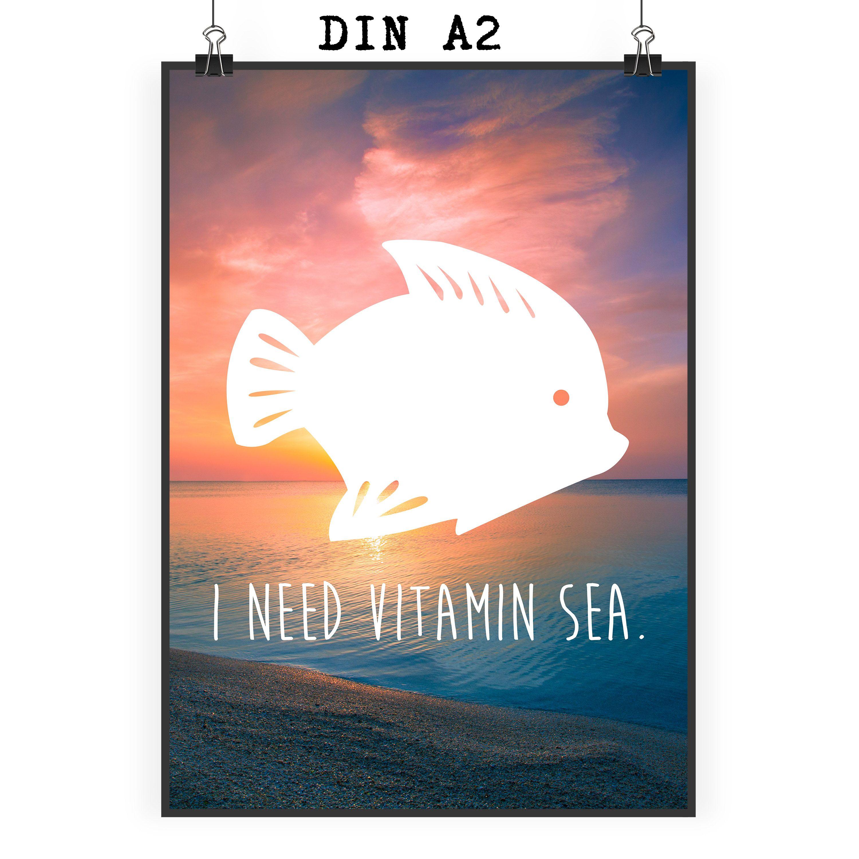 Poster DIN A2 Fisch aus Papier 160 Gramm  weiß - Das Original von Mr. & Mrs. Panda.  Jedes wunderschöne Motiv auf unseren Postern aus dem Hause Mr. & Mrs. Panda wird mit viel Liebe von Mrs. Panda handgezeichnet und entworfen.  Unsere Poster werden mit sehr hochwertigen Tinten gedruckt und sind 40 Jahre UV-Lichtbeständig und auch für Kinderzimmer absolut unbedenklich. Dein Poster wird sicher verpackt per Post geliefert.    Über unser Motiv Fisch  Da die Welt zu 70 % aus Wasser. Für…