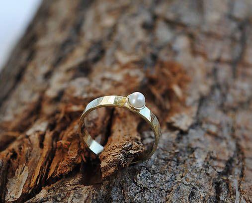 My engagement ring - Lenka Toro