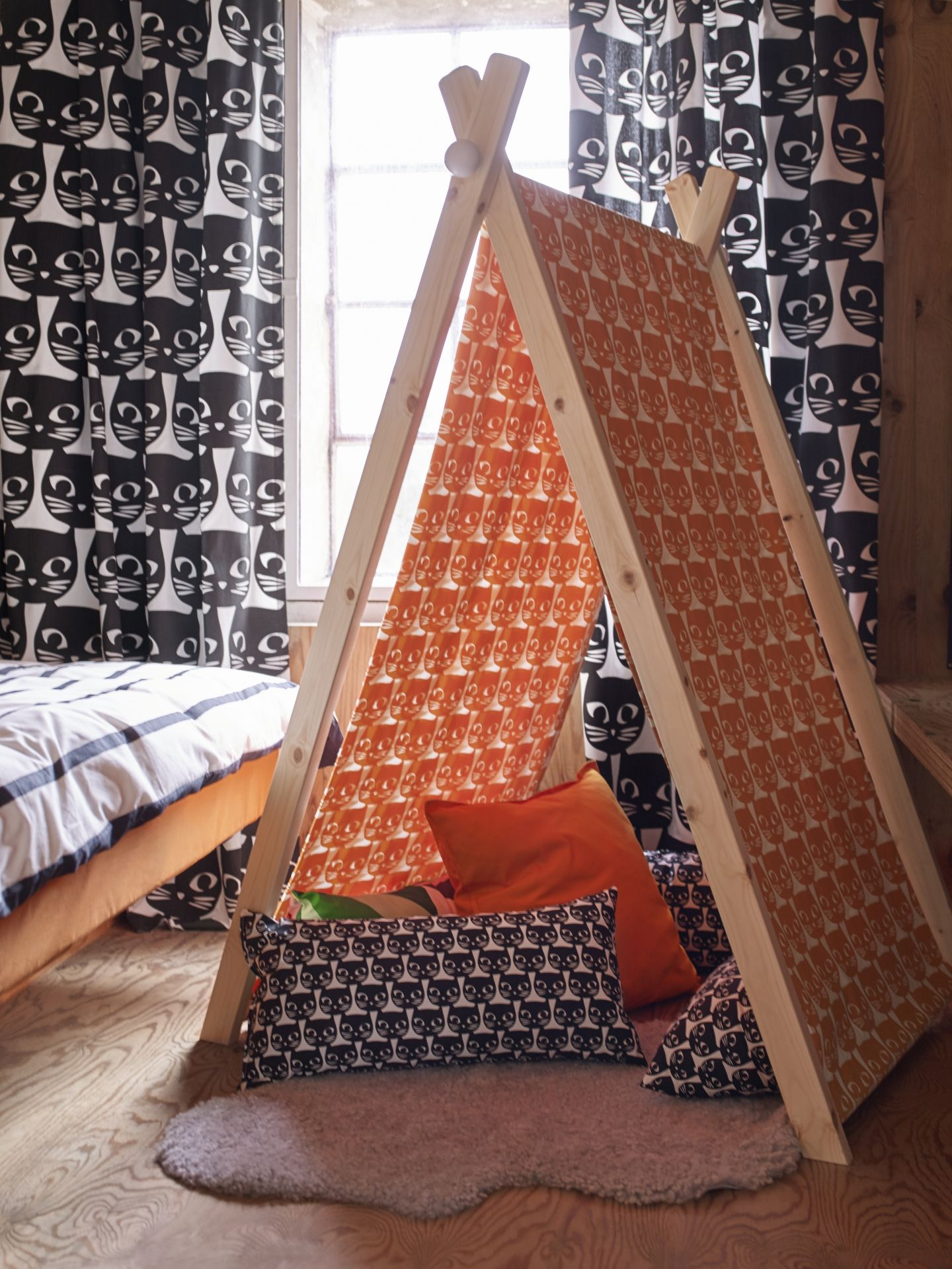 MATTRAM stof | #IKEA #IKEAnl #stof #oranje #katten #kussens ...