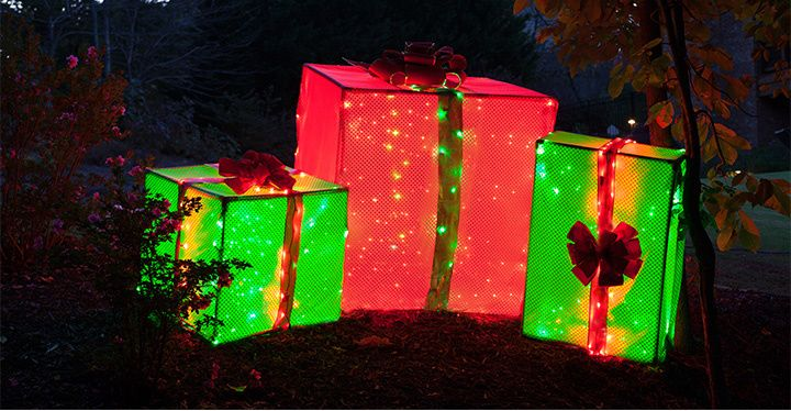 Giant outdoor lighted Christmas presents for the yard - PVC Frame Lighted Gift Boxes Christmas Ideas Pinterest