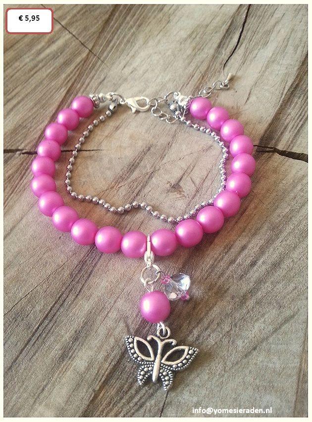Parel armbandje Roze,  Mooie armband met DQ glasparels gecombineerd met een zilverkleurige ballchain. Het bedeltje / hangertje kan er vanaf gehaald worden. Dit is ook leuk om aan een ketting te hangen.