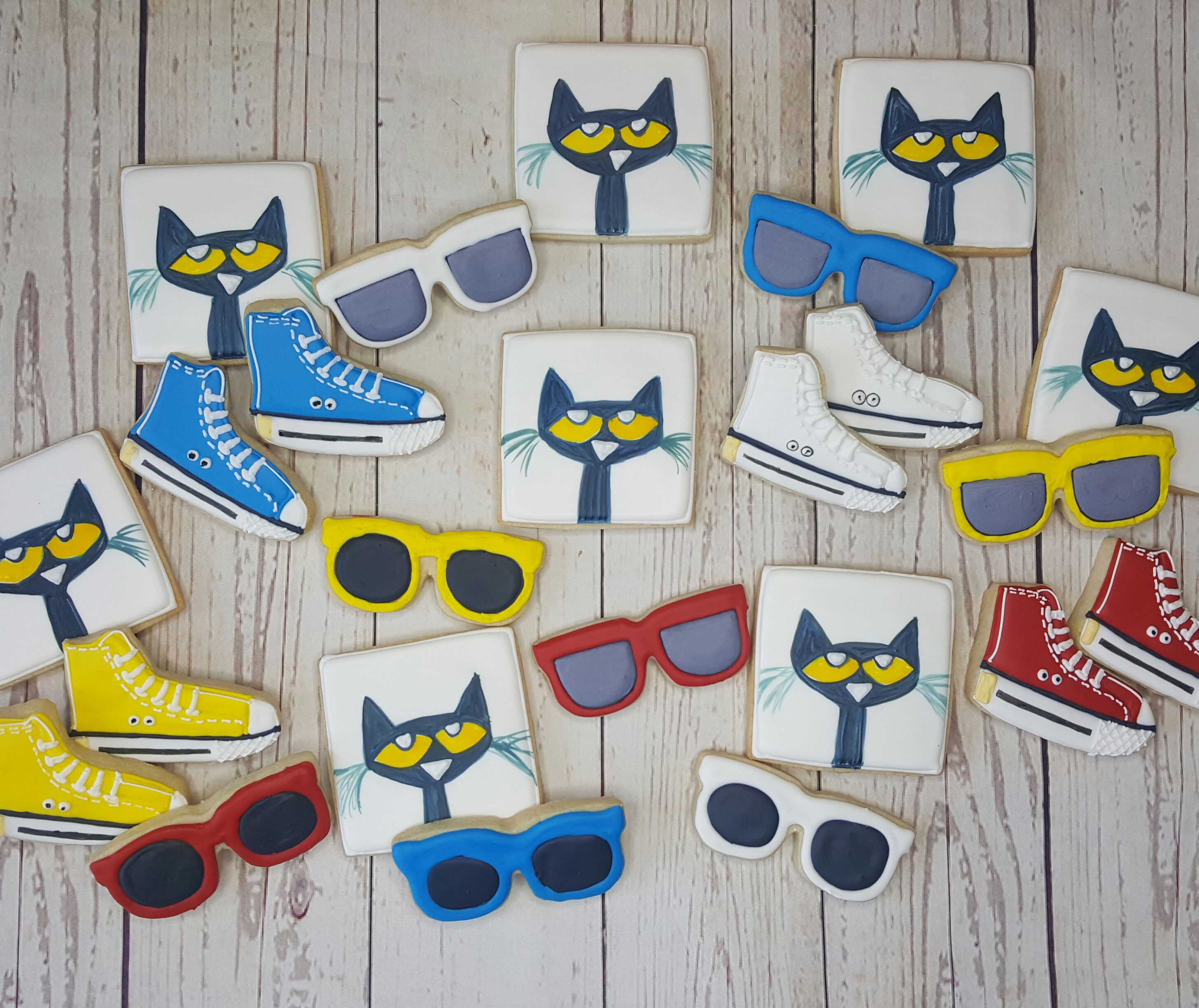 PETE THE CAT BOOKS LATEX TOPPERS TOPPER CUPCAKE BALLOON SUPPLIES DECORATIONS