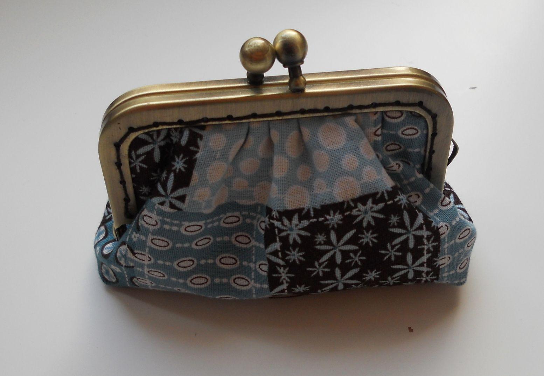 Coin purse.