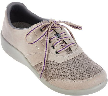 Clarks Cloud Steppers Lace-up Sneakers