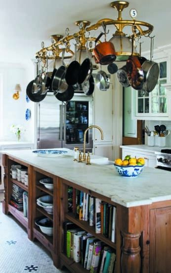 BELLE VIVIR -Decorating Ideas, Interior Design Inspirations and Fashion Latest. : Kitchen of the week: A Classic Kitchen