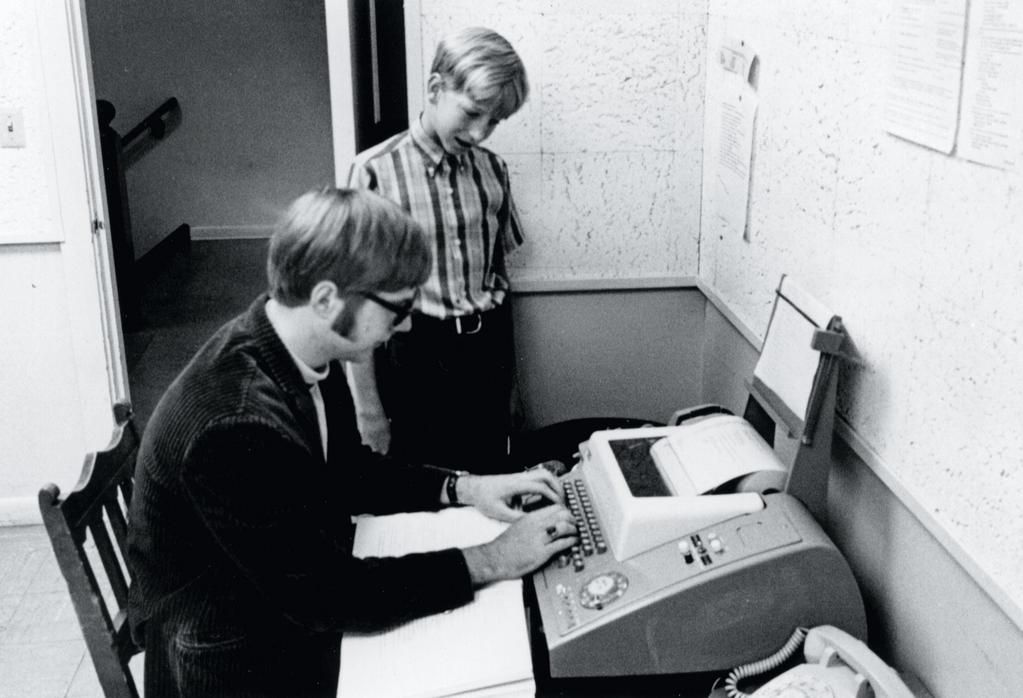 Microsoft Founders Bill Gates 13 And Paul Allen 15 Connect To A Pdp 10 Computer At University Of Washington 1968 Bill Gates History Lakeside School