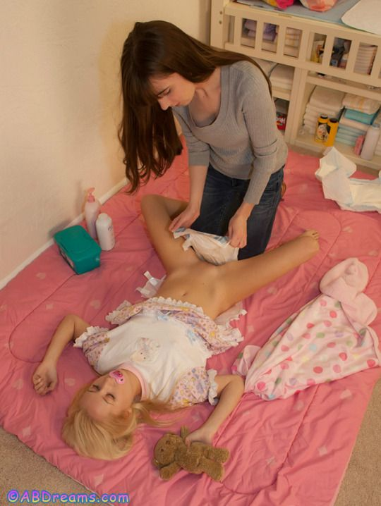 how to change nappy without waking baby