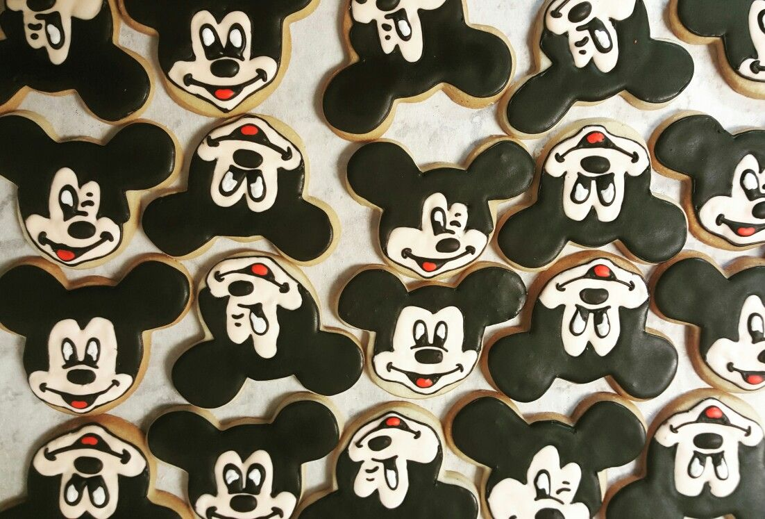 Mickey Mouse cookieswww.facebook.com/carinaedolce  www.carinaedolce.com #carinaedolce