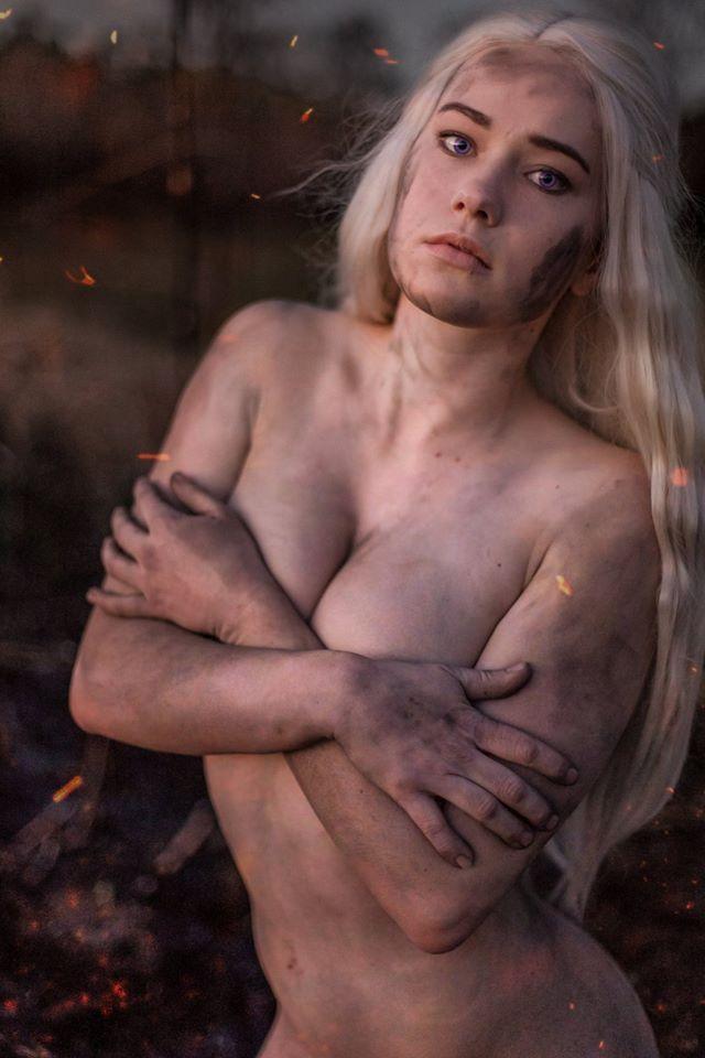 game-geek-girl-nude