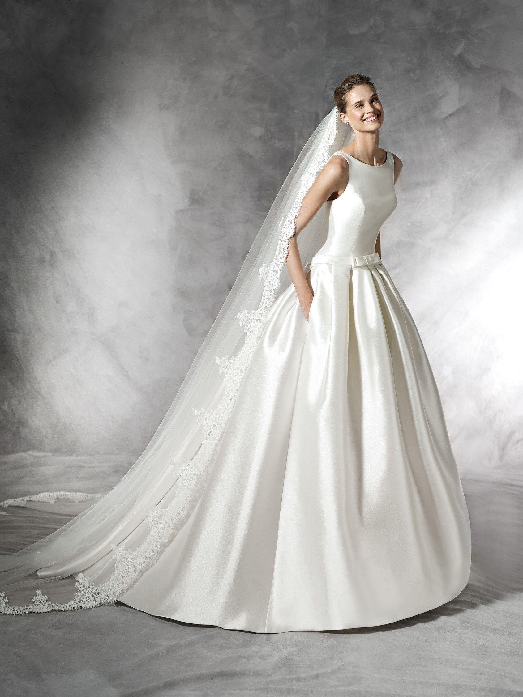 BARCAZA - Princess style wedding dress | Dresses | Pinterest ...