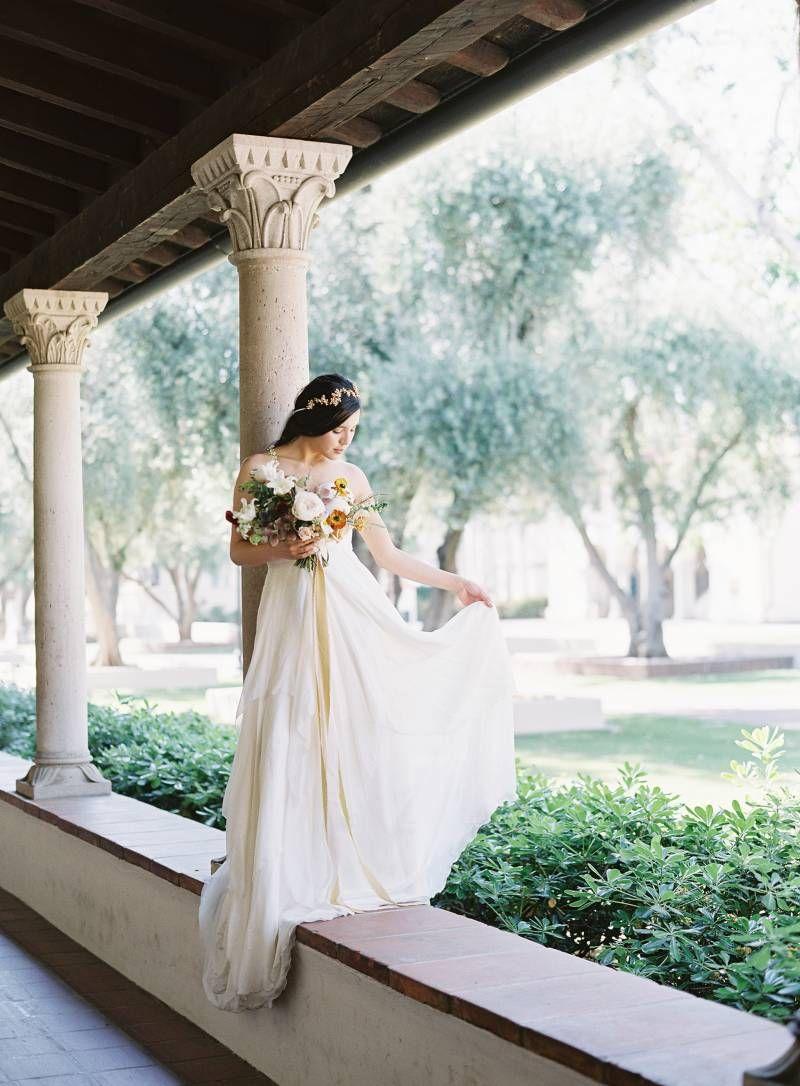 Feminine & romantic bridal inspiration via Magnolia Rouge | Wedding ...