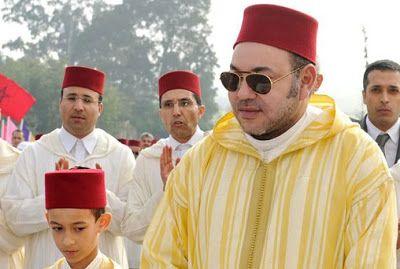 سيد الناس أمير المؤمنين يهنئ سلطان بروناي دار السلام بمناسبة احتفال بلاده بعيد ميلاده Academic Dress Dresses Fashion