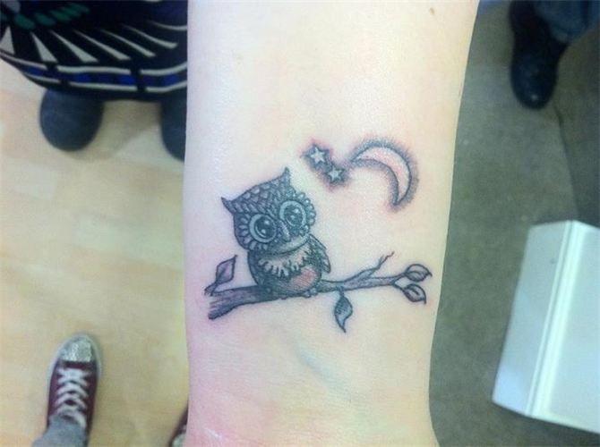 Ami Johnston Art Portraits Star Tattoo On Wrist Tattoo Designs Wrist Moon Tattoo